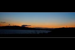 日の出前の河口