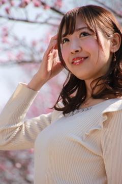 4-25朝日奈しおりさん モデル