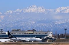 富山空港×劔