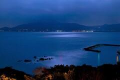 月夜の唐津湾