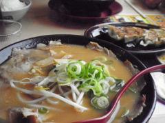 ラーメン横綱のチャーシュー麺 餃子
