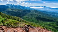 茶臼山の展望台より八ヶ岳を望む