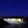 P8858アメリカ滝と月