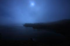 朝霧の八幡沼