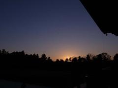 夕日が沈んだ西の空