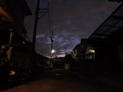玄関先の夕景1