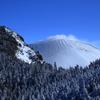 白い浅間山