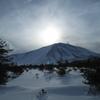 淡い日差しと浅間山