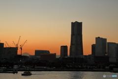 暮れなずむ横浜の街