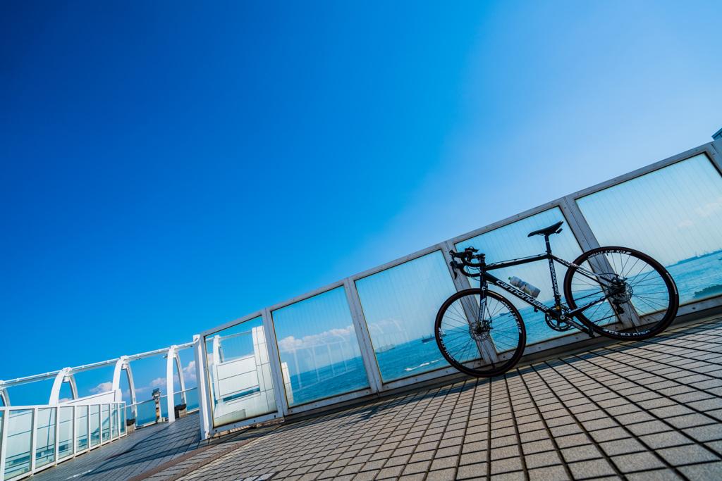 空と海と自転車