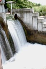 円筒分水槽(富山県魚津市東山)
