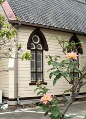 教会に咲く花