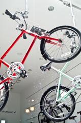 飛ぶ自転車