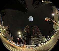 月夜の名駅