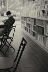 本と椅子のある場所