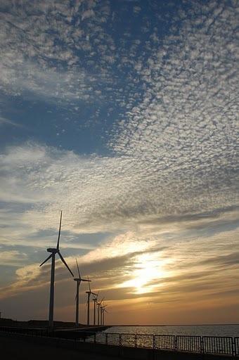 風車(うろこ雲)