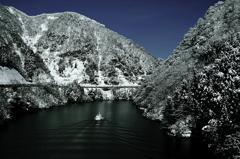 極寒の峡谷
