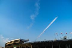 SAYONARA国立競技場 ブルーインパルス展示飛行_02