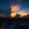 夕焼け空に映る影