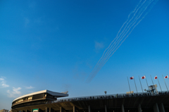 SAYONARA国立競技場 ブルーインパルス展示飛行_03