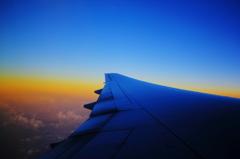 機内からの夜明け