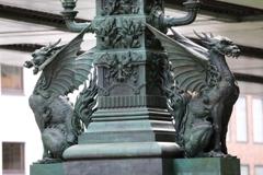街の情景 - 翼を持った麒麟像 -