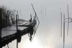 印旛沼・朝景 - 色彩を失った世界で -