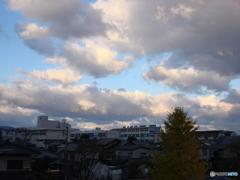 晩秋の青空は曇り