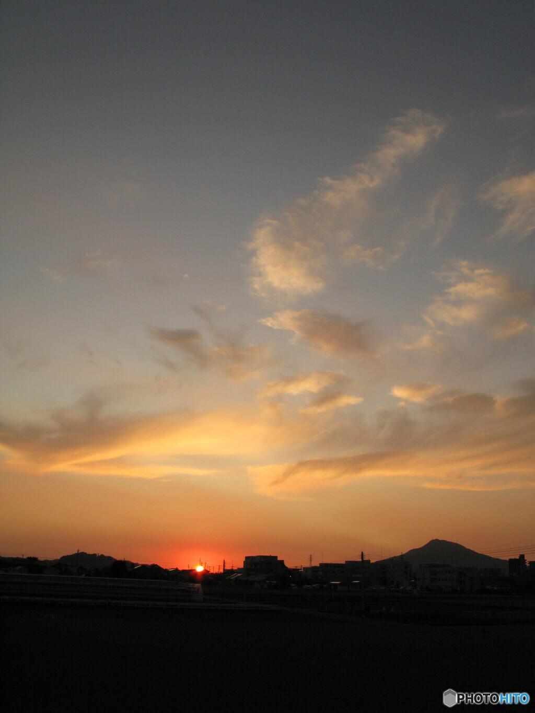 今日も秋晴れの夕陽