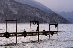 凍てつく桟橋