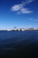 港を眺めて過ごす時間は・・・