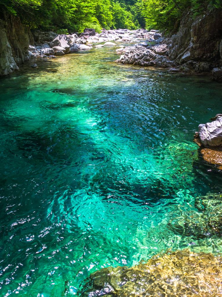 翡翠色の渓谷