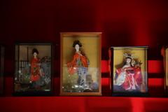 綺麗どこ 昭和の飾り棚