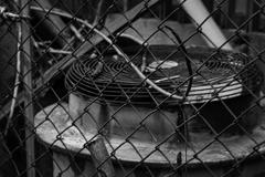 金網と室外機