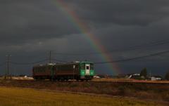 虹と電車君