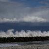 雲と波しぶき