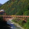 鉄橋を渡るトロッコ列車