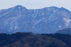 もうすぐ山は白く覆われる