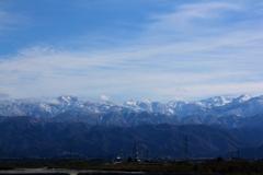 そびえる山々