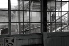 待つ時間 (窓1)