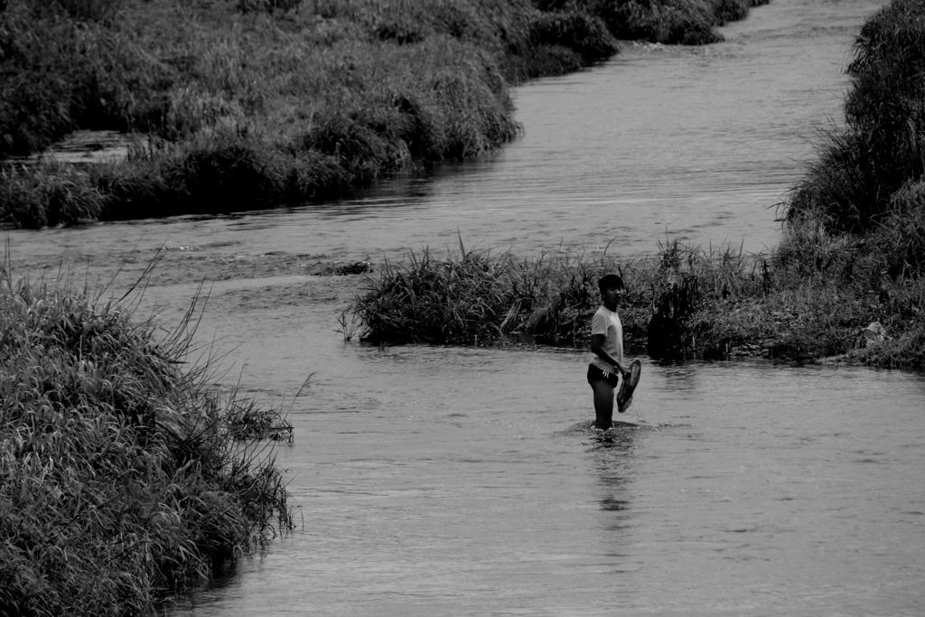 少年時代・・・川の中