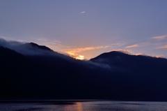 支笏湖 日が昇る場所