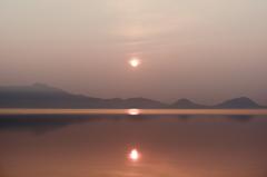 支笏湖 霞の朝