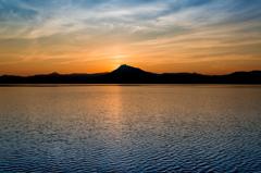 支笏湖 湖面を刻む風