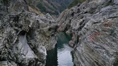 飛 水 峡 .