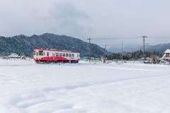 新雪のローカル線