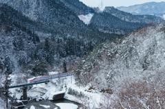 雪の仙岩峠
