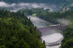 会津の川霧たえだえに