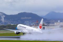 雨の空港...2