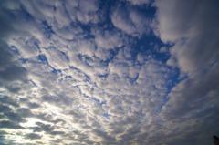 雲が逃げていく!